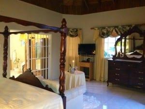 Ocho Rios Villa master suite