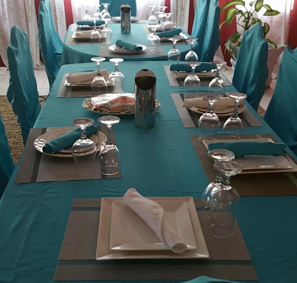 formal dining at Jamaica villa