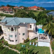 Villas in Jamaica with beach and ocean view, staff