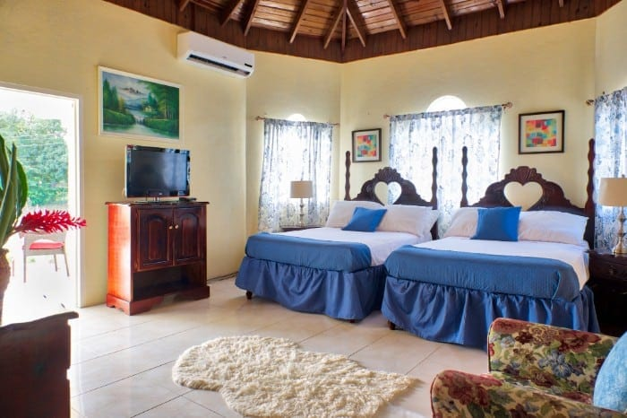 Jamaica villa double bedroom sleeps 4